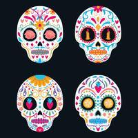 Satz des bunten Zuckerschädels lokalisiert. Tag der Toten, Dia de Los Muertos, Fahne / Plakat mit bunten mexikanischen Blumen, Schädel, Kerze. Fiesta, Feiertagsplakat, Partyflieger, lustige Grußkarte, Schablone