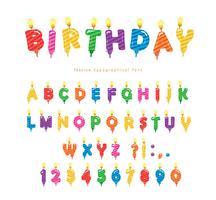 Bunte Schriftart der Geburtstagskerzen. Helle festliche ABC-Buchstaben und -zahlen lokalisiert auf Weiß. Vektor