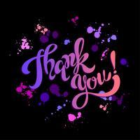 Danke. Beschriftung. Regenbogen. Blots. Inspirierendes Schreiben. Postkarte. Schwarzer Hintergrund. Vektor. vektor