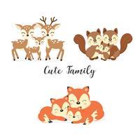 Sats av söta familjen skogsdjur. Foxes, Hjort, Ekorrar tecknad. vektor