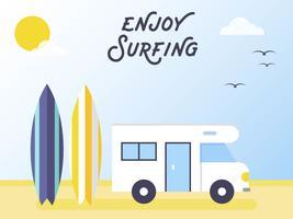 Surfbräda och campingbil på stranden vektor