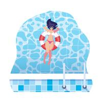 Frau mit Badeanzug und Rettungsschwimmer schwimmt im Wasser