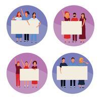 Reihe von Menschen mit Plakaten
