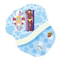 zwischen verschiedenen Rassen Paare mit dem Badeanzug, der in Wasser schwimmt