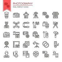 Uppsättning av svartvita tunn linje fotografisymboler