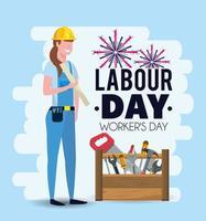 Werktagsbild mit Frauenmechaniker mit Ausrüstung