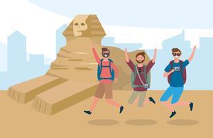 Männliche Freunde, die Spaß in Ägypten haben