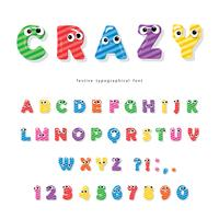 Lustiger Kinderschrifttyp mit Augen. Cartoon glänzend bunten Buchstaben und Zahlen.