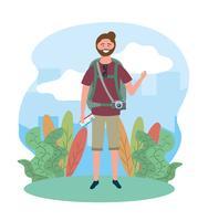Männlicher Tourist mit dem Bart, der Flugticket hält