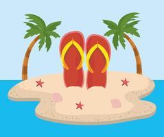Flip flops i sanden på ön med palmträd