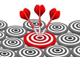 Tre dart som träffar målet omgiven av andra mål vektor