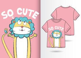 So niedlicher Löwe-Hand gezeichneter T-Shirt Entwurf