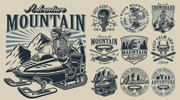 Abenteuer Logo Mountain Set vektor