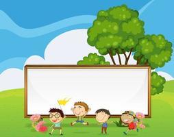 Kinder, die vor dem großen leeren Schild spielen vektor