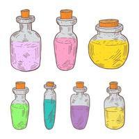 Satz gezeichnete Flaschen des ätherischen Öls der Weinlese Hand