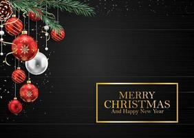 Träbakgrund för jul med granfilialer och bollar