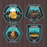 Satz von Camping erkunden Sommer Patches Embleme vektor