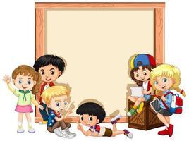 Fahnenschablonendesign mit glücklichen Kindern