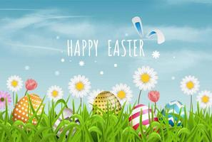 Bunte Ostereier zeichnen Muster- und Frühlingsblumen im Gras mit schönem Himmel