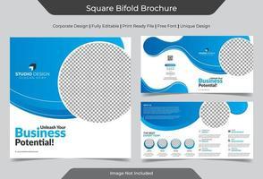 företags fyrkantiga tvåfaldiga broschyrmall