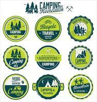uppsättning utomhus camping retro etiketter