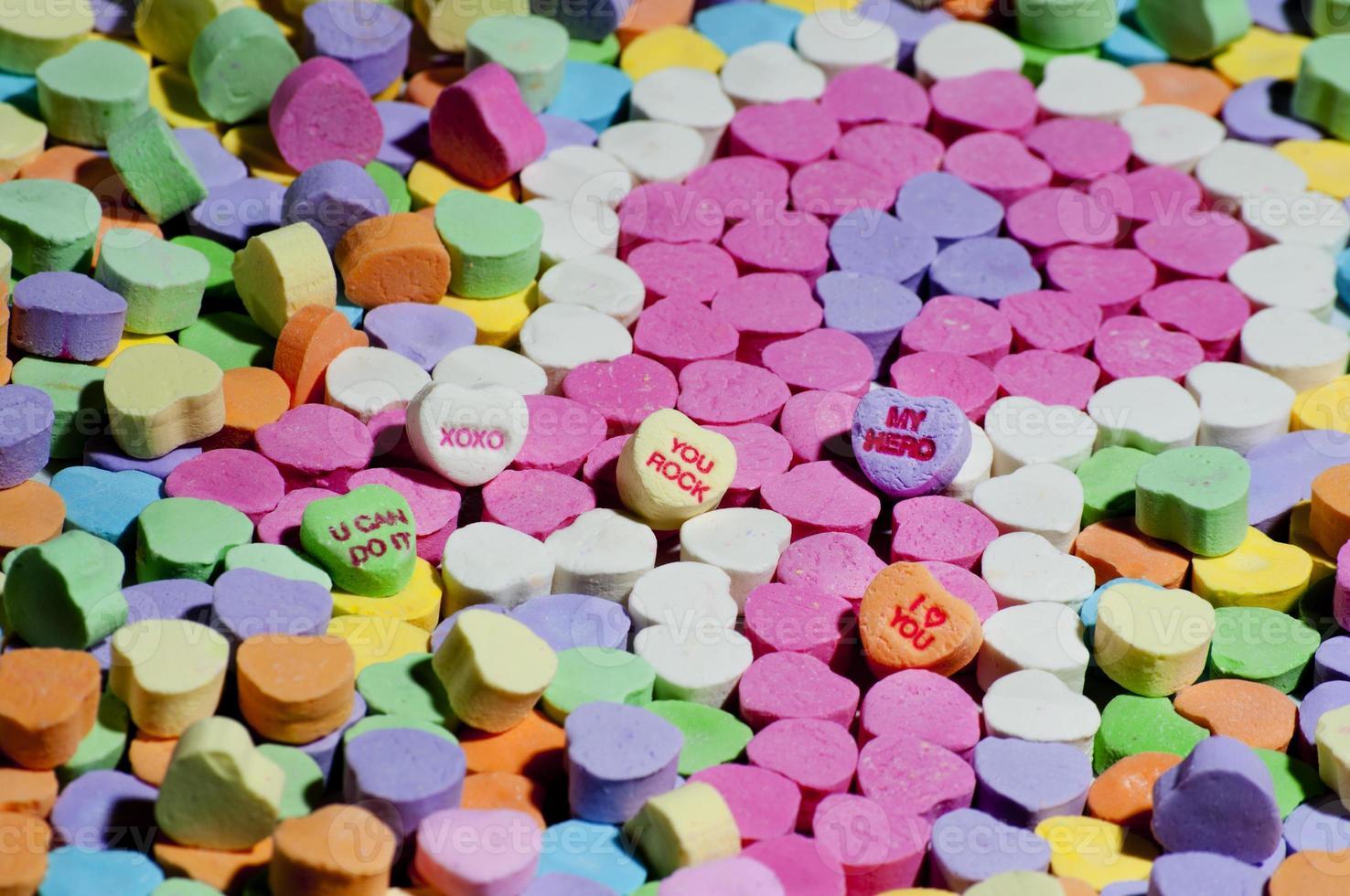bonbons en forme de ruban de cancer du sein rose photo