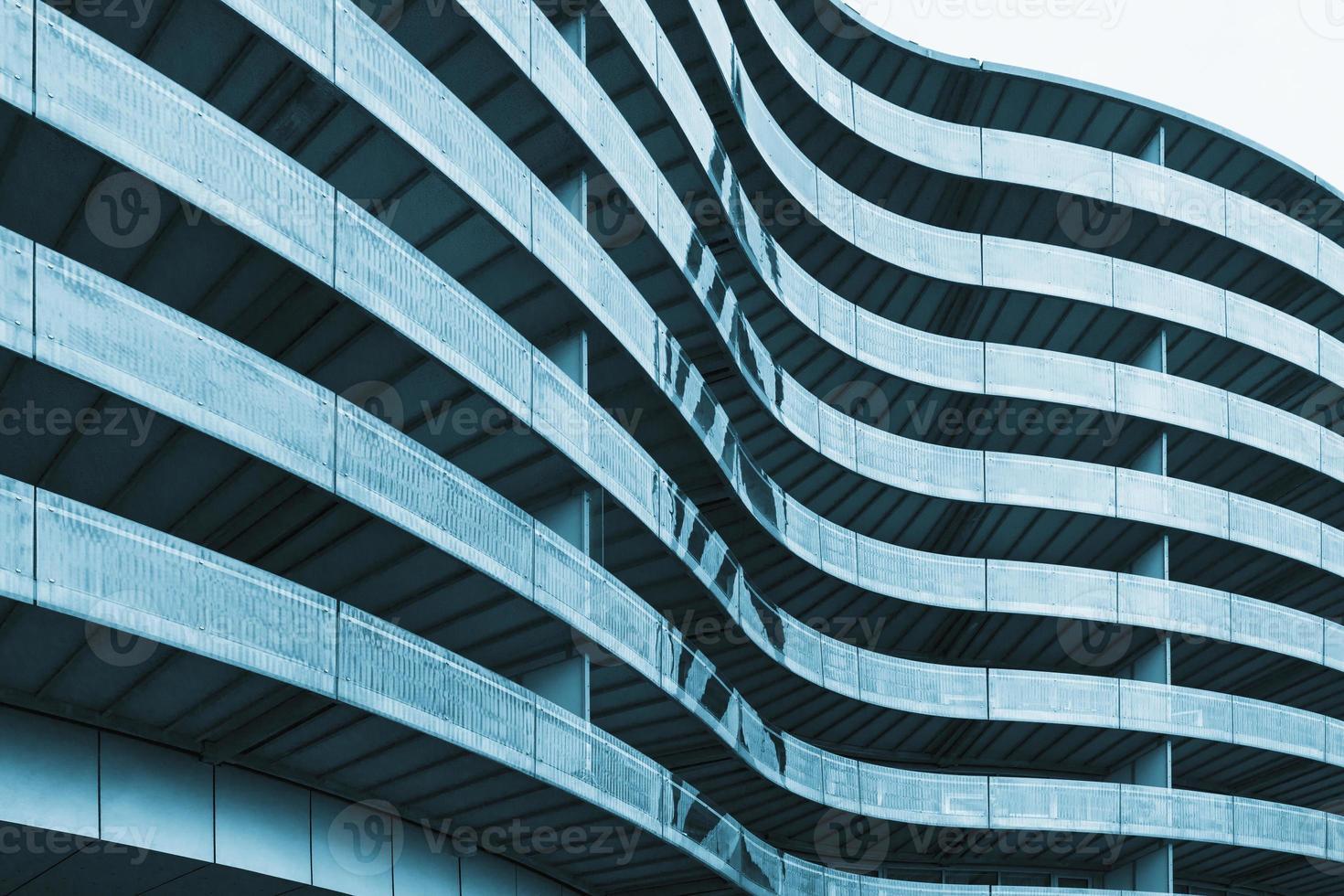 surface de l'immeuble de bureaux incurvé photo