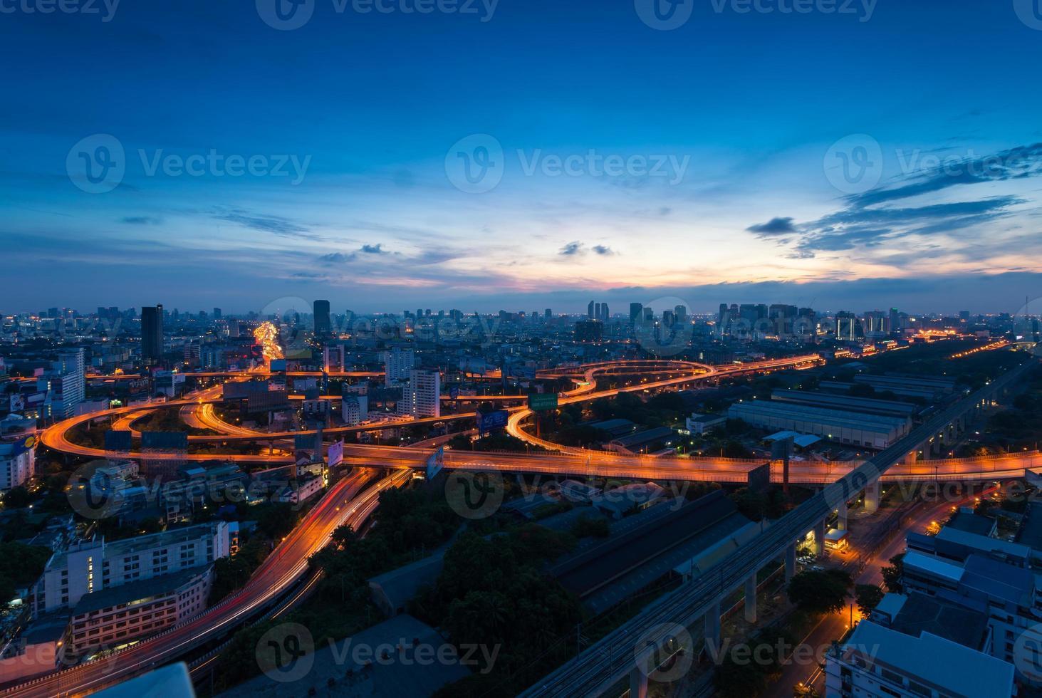 Immeuble de bureaux quartier des affaires moderne de Bangkok, Thaïlande photo