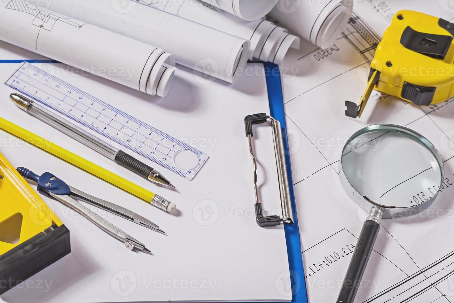 outils d'architecte sur plans photo