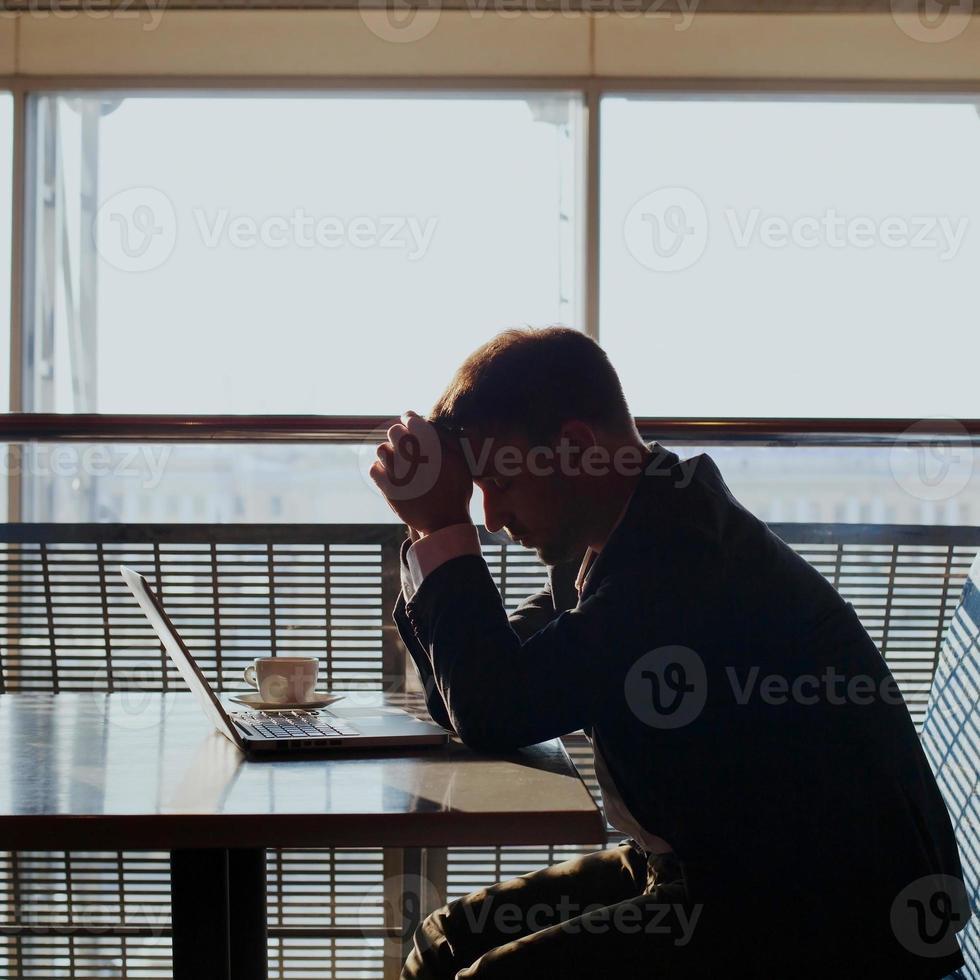 homme d'affaires déprimé photo