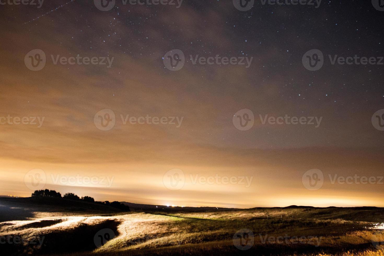 étoiles sur le ciel nocturne, pluie de météores perséides 2015 burton dassett photo