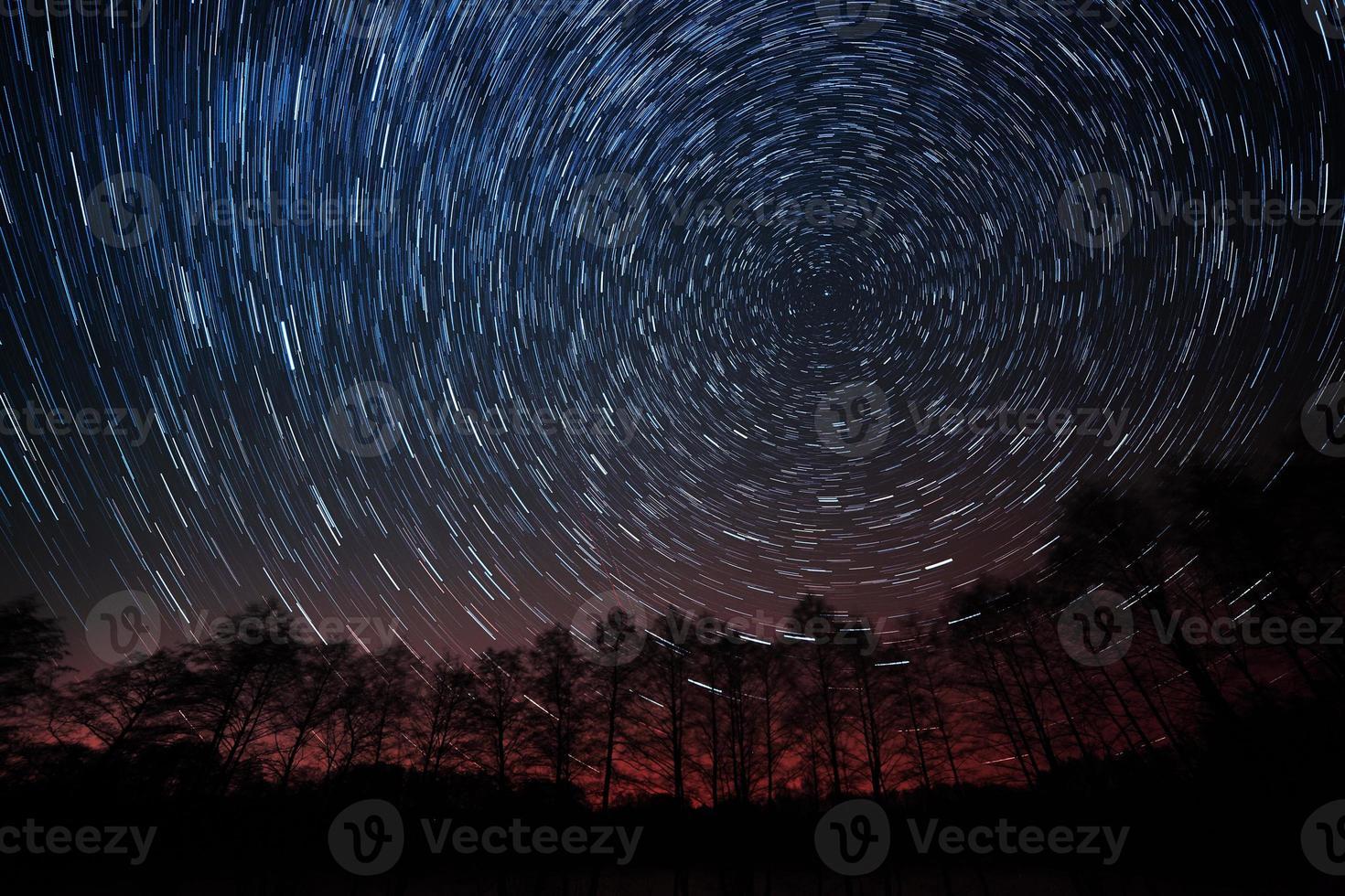 le mouvement des étoiles autour de l'étoile polaire photo