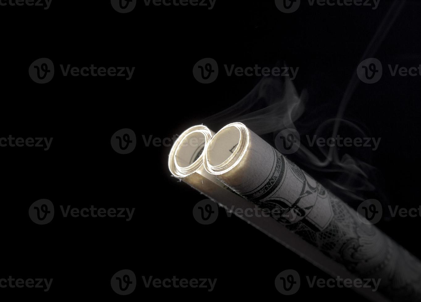 fumer des barils de fusil de chasse photo