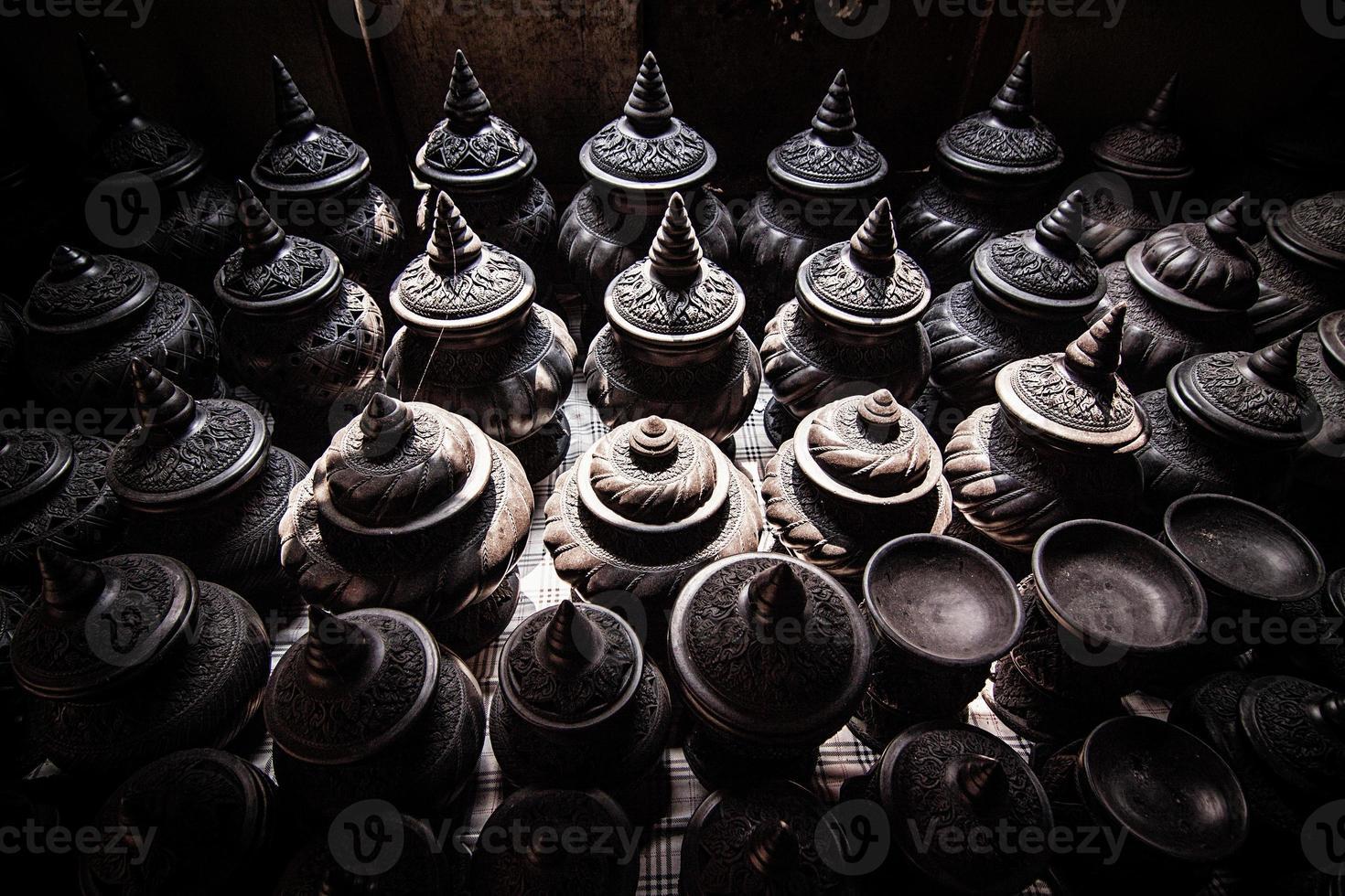 boutique de poterie sur le marché photo