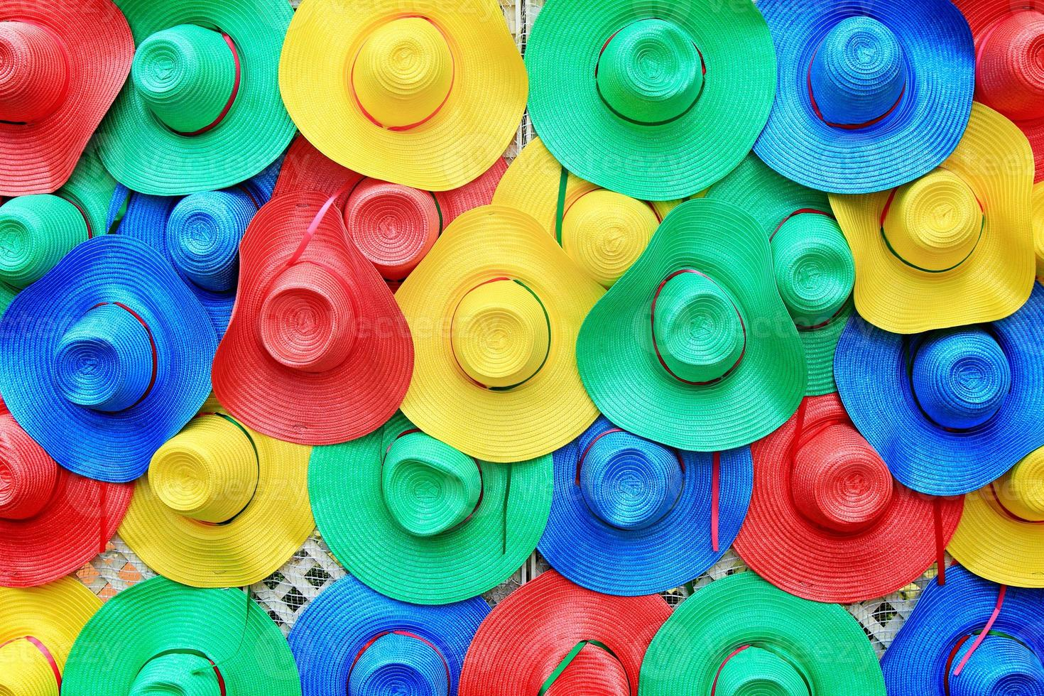 chapeaux colorés photo