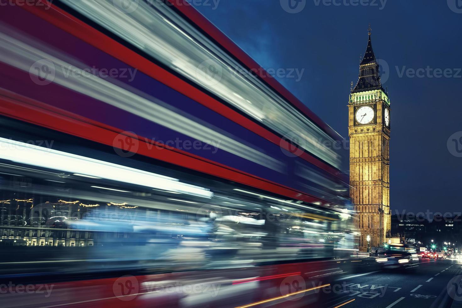 big ben et bus de nuit photo