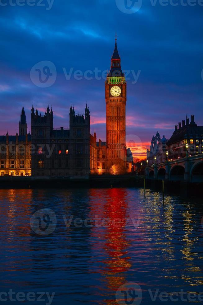 Londres. tour de l'horloge de big ben. photo