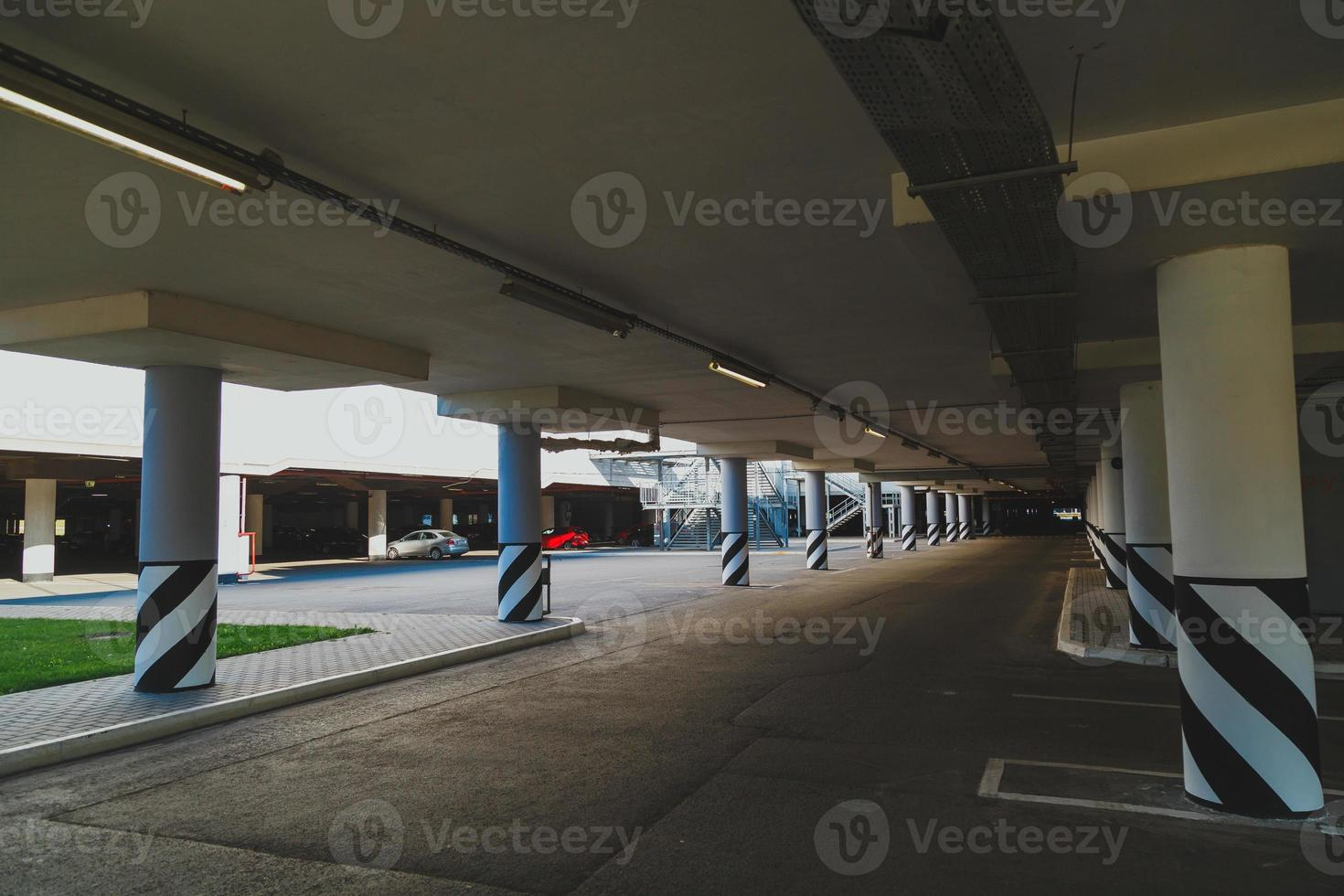 aire de stationnement vide photo