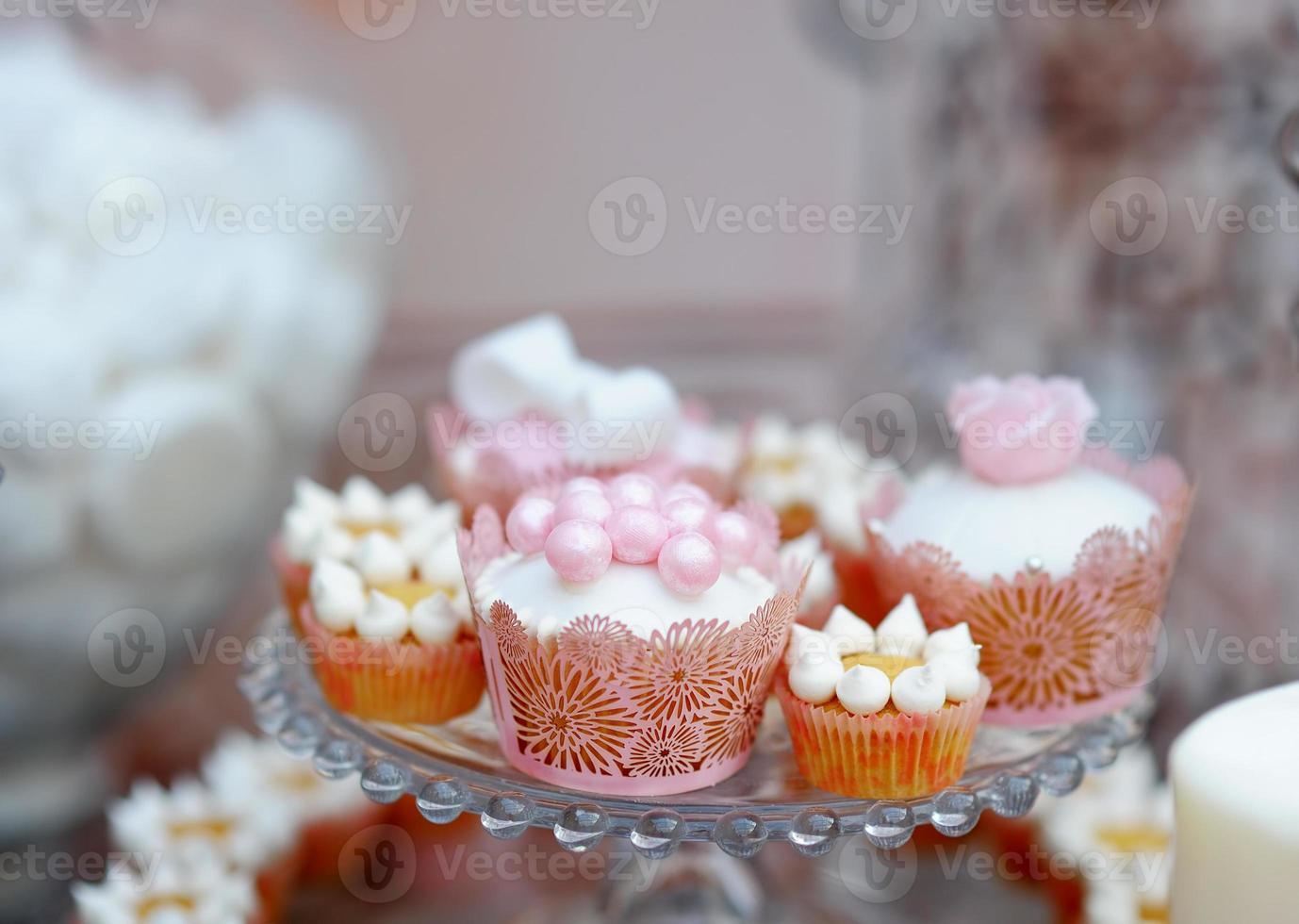 délicieux petits gâteaux de mariage photo