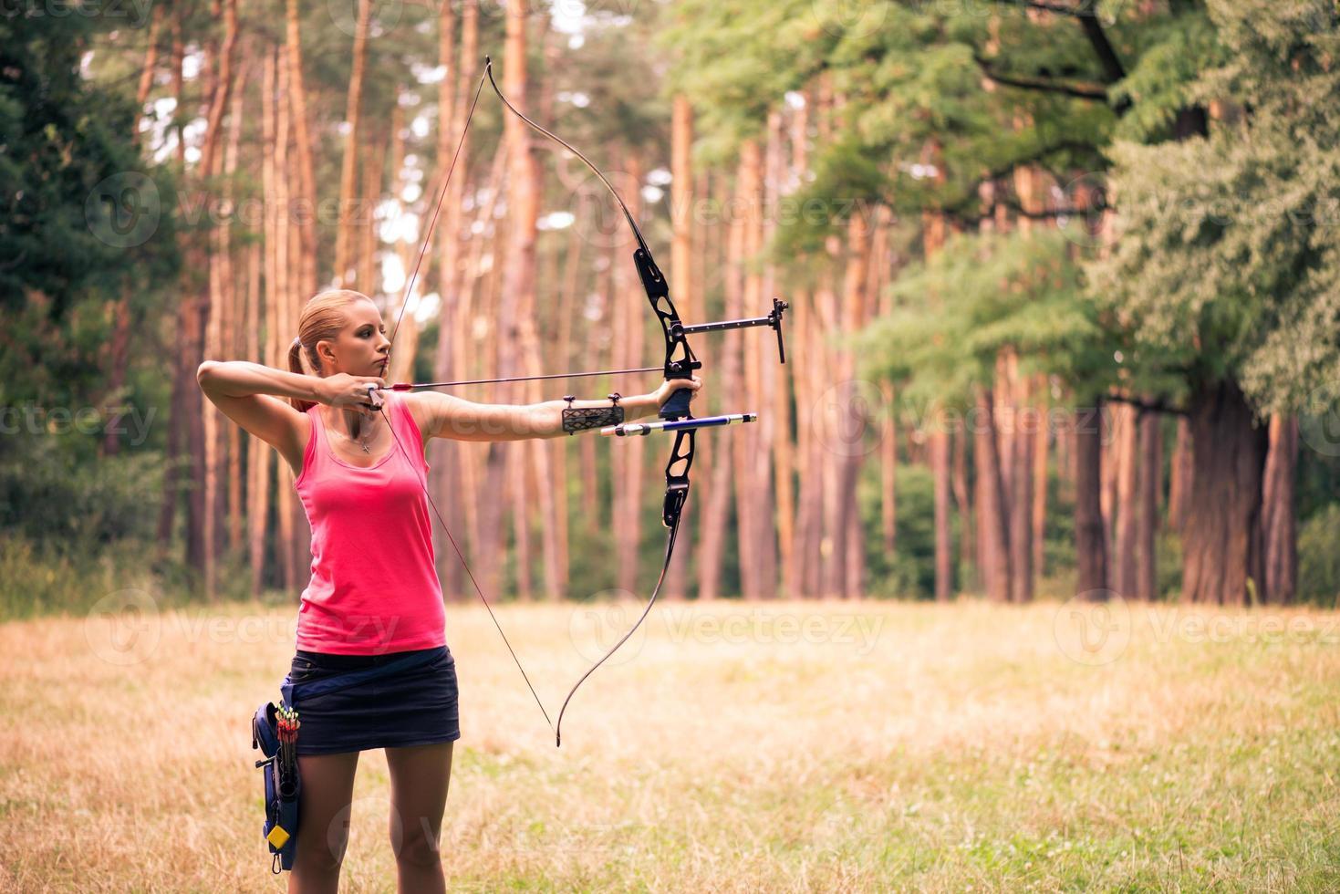 femme avec l'arc photo