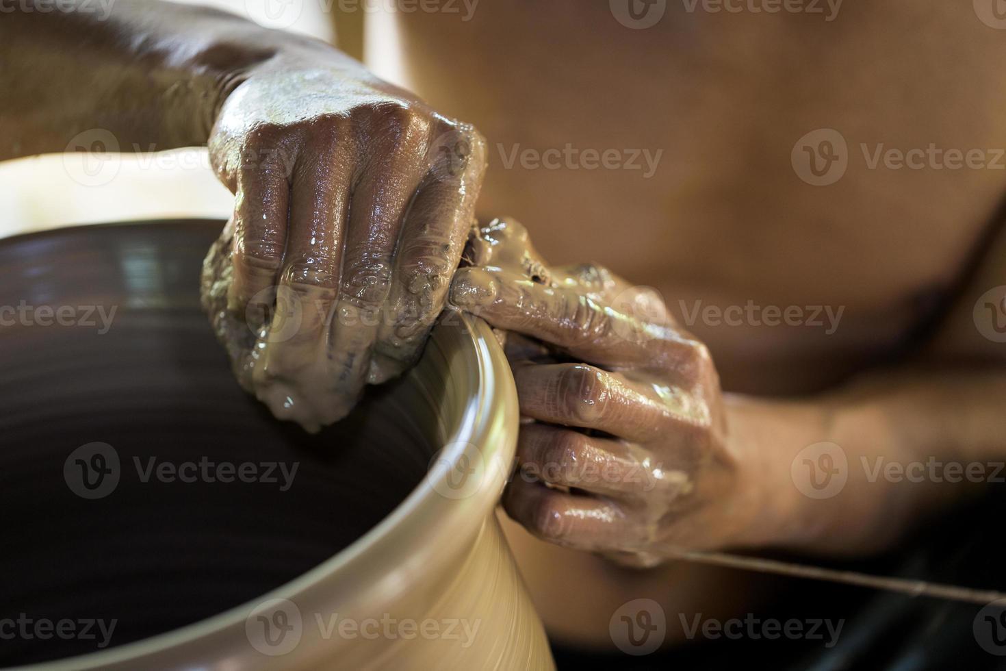mains de potier photo