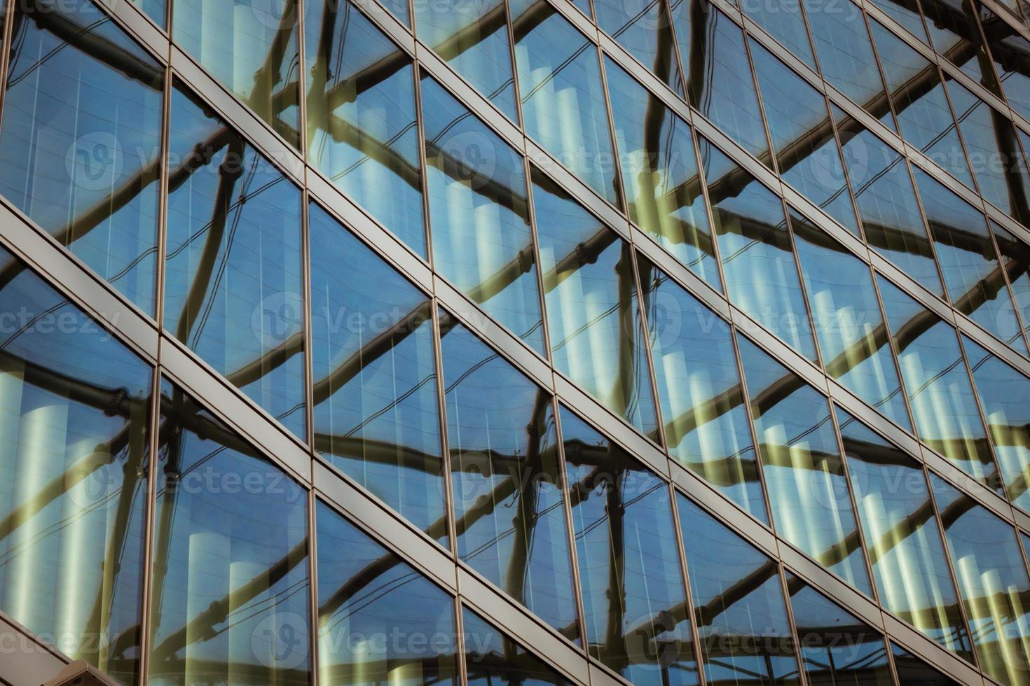 détail architectural d'un bâtiment moderne photo