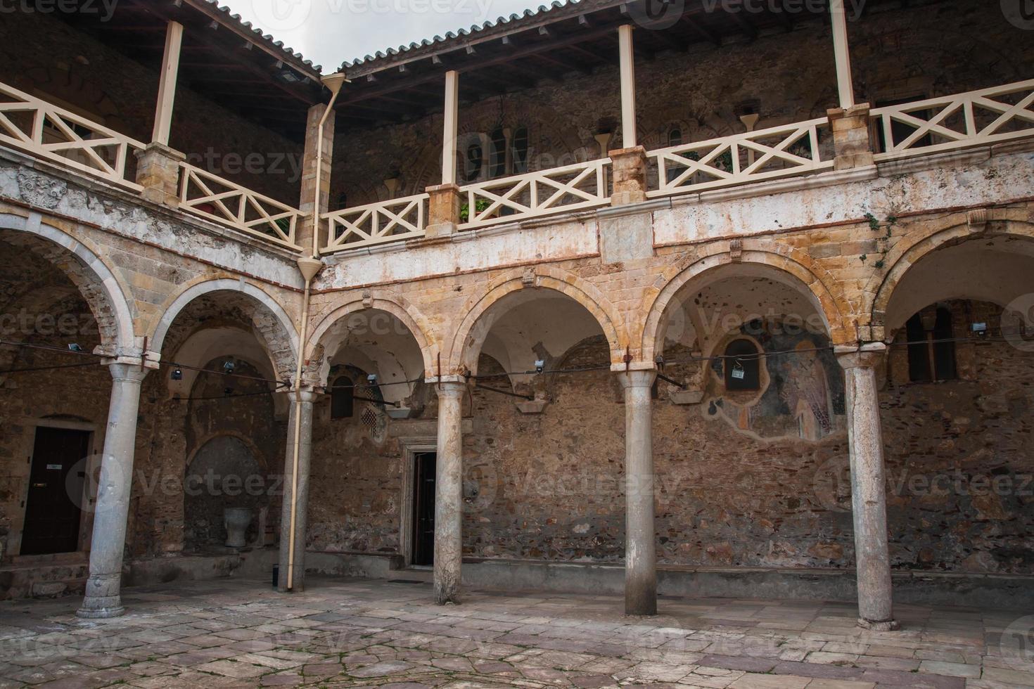 ruines de la ville du château byzantin de mystras photo