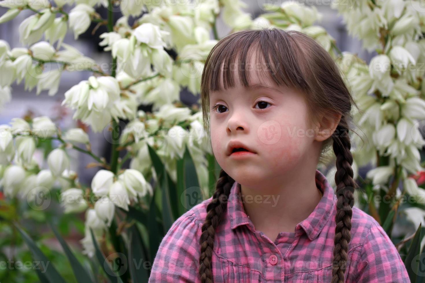 portrait de la belle jeune fille photo