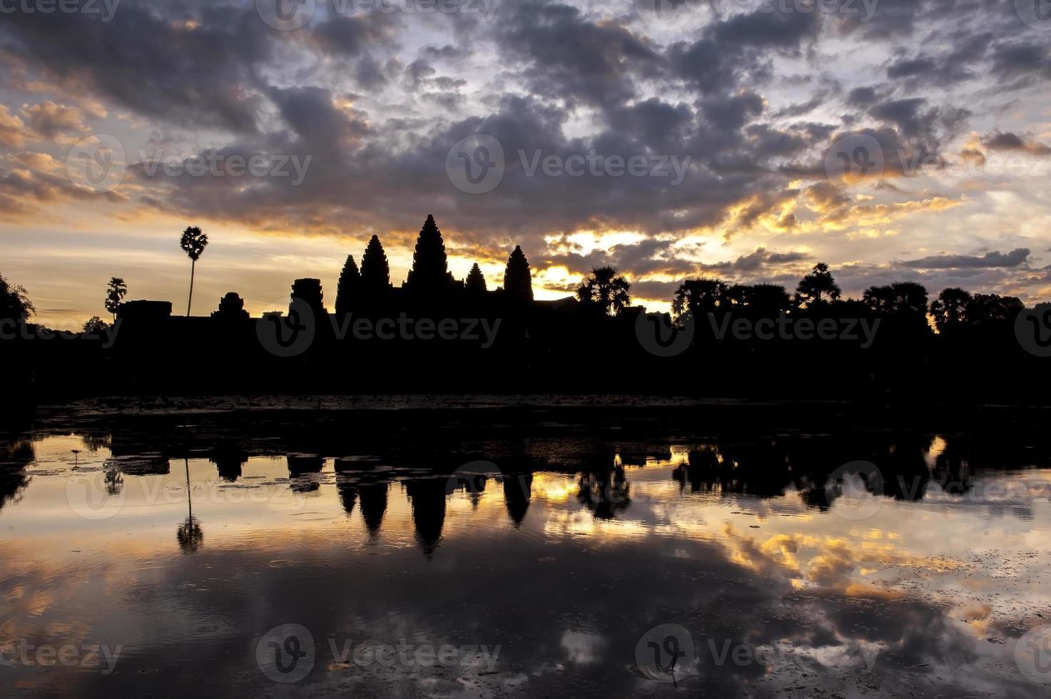 angkor wat cambodge photo