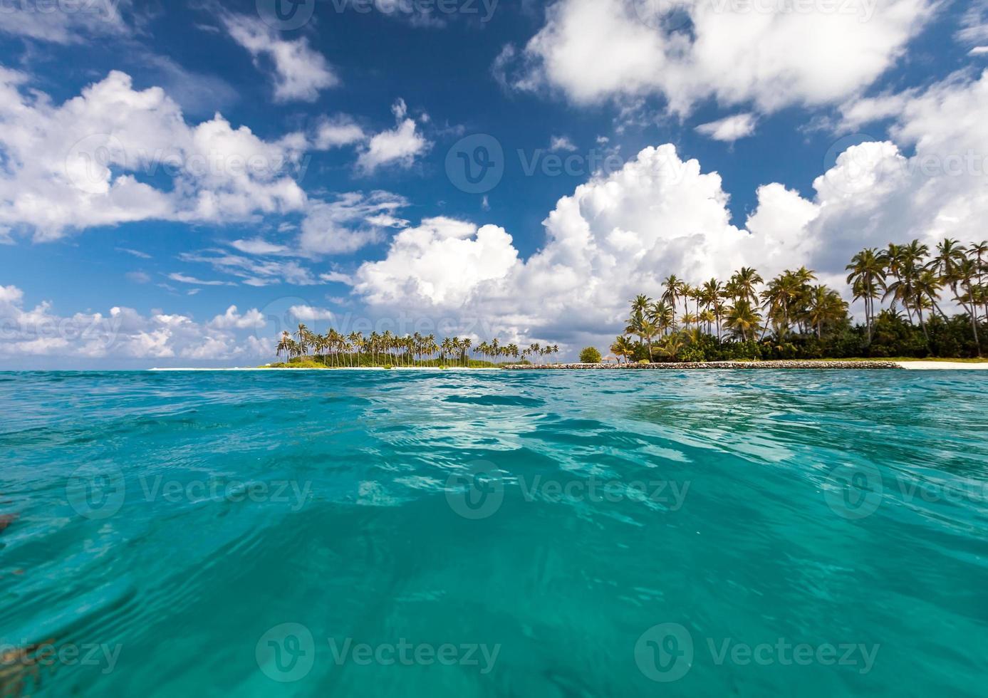 vue panoramique sur l'île dans l'océan Indien photo