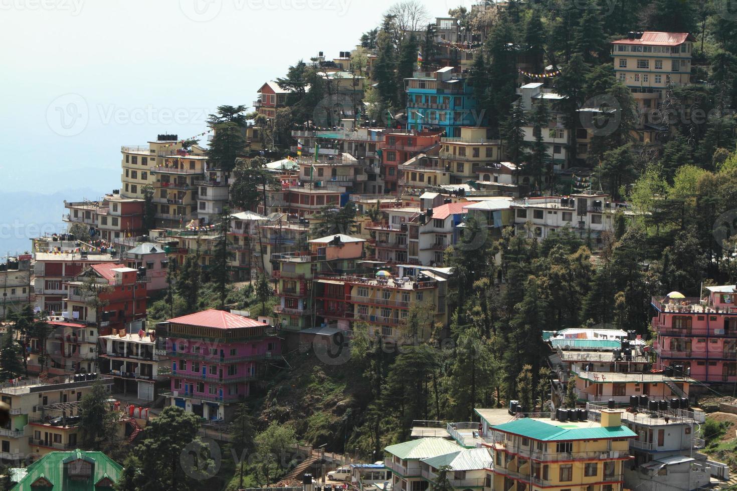 die stadt dharamsala en indien photo