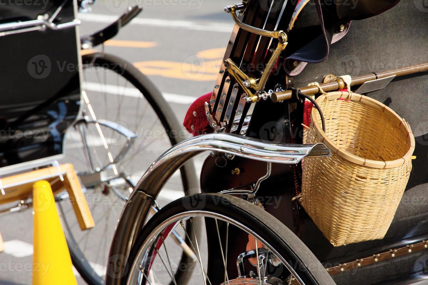 pousse-pousse à kyoto au japon photo
