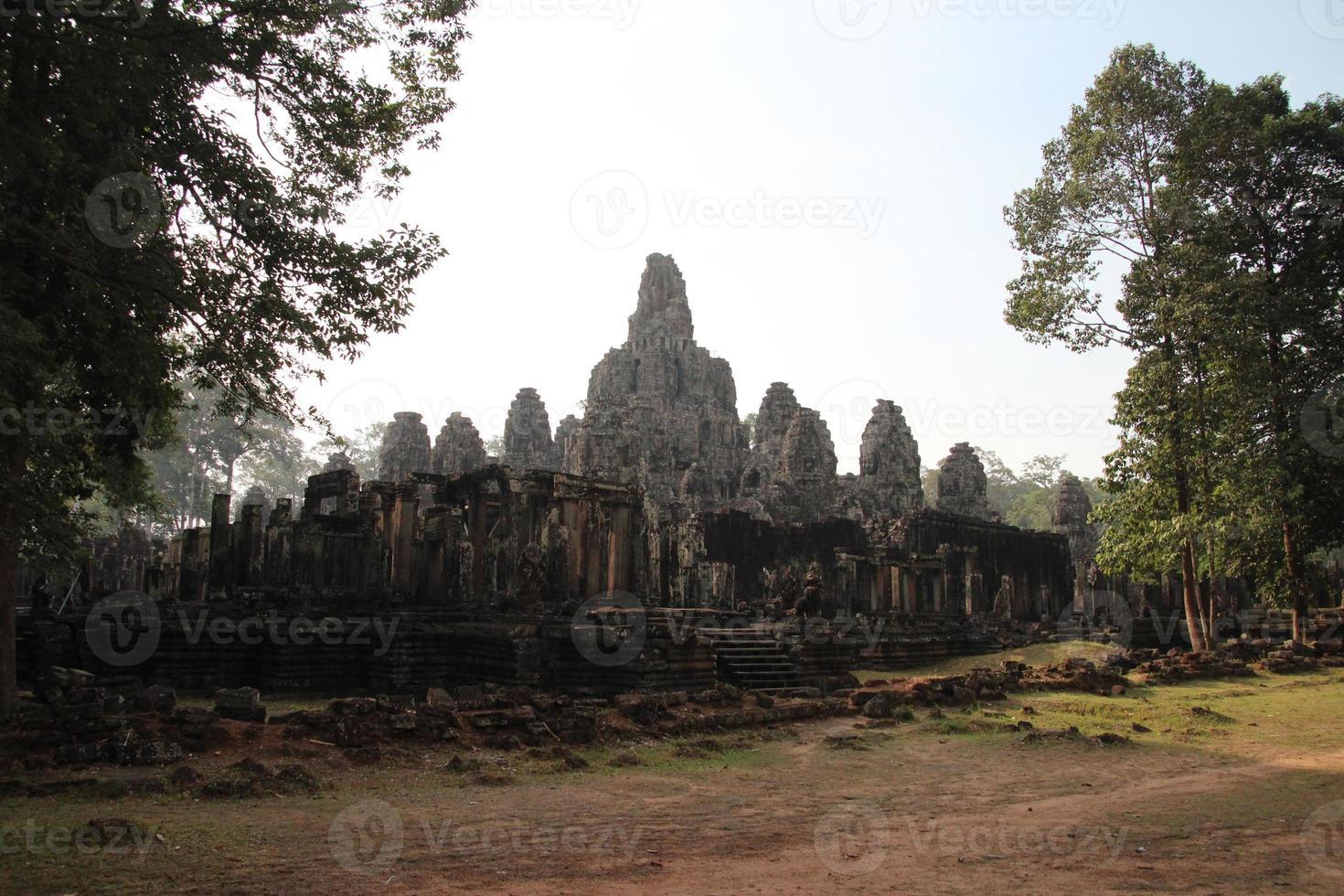 temple du bayon, angkor, cambodge photo