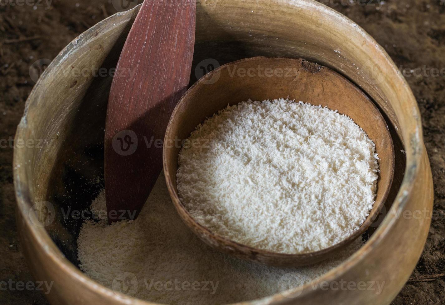 la farine de yucca également appelée tapioca, manioc, manioc. photo